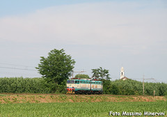 """""""Sola soletta"""" (Massimo Minervini) Tags: cargo ti fs cremona trenitalia ferrovia caimano e655 canon400d cavatigozzi e655xmpr picenengo lineacodognocremona e655418"""