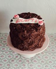 Trtor - Fdelsedagstrta - Mona 57 - WEB (manuel ek) Tags: cake chocolate naturallight homemade birthdaycake handheld fujifilm aftereight baked x56 manuelekphoto trtafdelsedagstrta