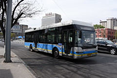 Beijing Bus 95075 (trolleybus) (Howard_Pulling) Tags: china camera bus buses photo airport nikon asia photos beijing picture zug trains april cr 2016 pek beijingrailwaystation chinarailways beijingcapital howardpulling d7200