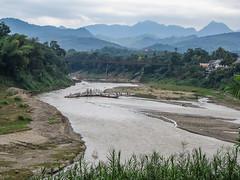 """Luang Prabang: la rivière Nam Khan <a style=""""margin-left:10px; font-size:0.8em;"""" href=""""http://www.flickr.com/photos/127723101@N04/23842713341/"""" target=""""_blank"""">@flickr</a>"""