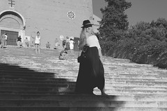 (paoruf) Tags: trip light shadow summer people italy woman white black rome roma art church girl beauty hat bag italian europe ange skirt ombre chapeau eglise magnifique tenebre
