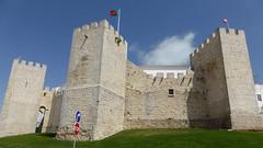 Loule (daniel EGV) Tags: ocean sea mer castle beach portugal water seaside sable cliffs atlantic algarve chateau fortress plage sans forteresse falaises loul altantique bastionare
