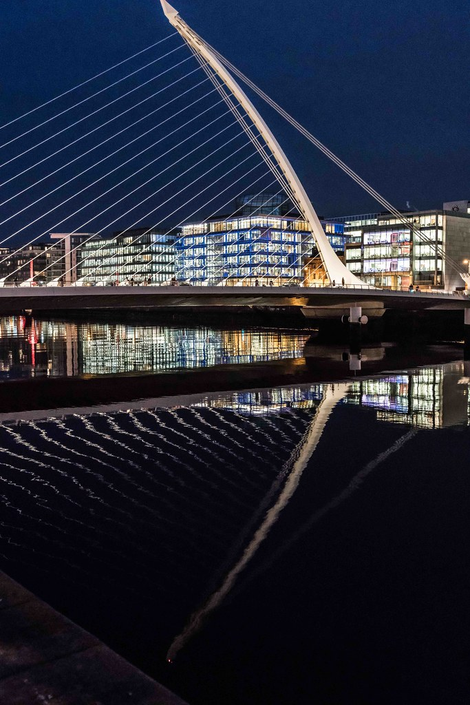 DUBLIN DOCKLANDS AT NIGHT [JANUARY 2016]-110839