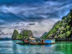 Sea gypsies (Bruno Zaffoni) Tags: bay long vietnam ha hdr halong