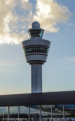 Control tower (Tom Koedood) Tags: sky sun canada rain station tom clouds train airplane airport media diverse ns aircraft finnair wolken delta klm lucht schiphol zon regen trein vliegtuig vliegveld thalys koedood diversemedia tomkoedood