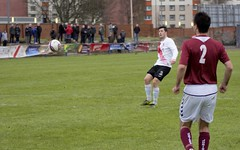 Nicky Little dinks home Bankies opening goal (Stevie Doogan) Tags: park west scotland scottish first super juniors division league holm clydebank bole maybole bankies mcbookiecom