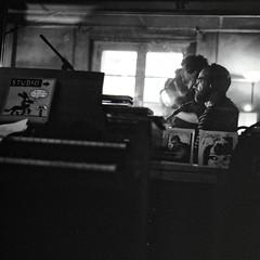 Studio Deltour / Andr Minvielle (StefanoG.com) Tags: music 6x6 film bernard rollei rolleiflex studio boulevard iso nicolas 400 record medium format toulouse 3200 ilford georges andr musique argentique moyen baux deltour enregistrement 28d enregistrer lavilliers stefanog jobet minvielle stefanotofs stefanogcom studiodeltour