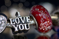 valentine greeting (Dailyville) Tags: love beads bokeh jewelry bracelet greeting valentinesday dailyville