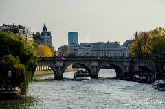 Paris, France (Jennz Travel) Tags: paris france louvre sightseeing ombre toureiffel paysages citytrip mtroparisien