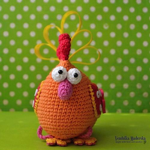 ...my hen 😆💜😀 #crochetingmakesmehappy #vendulkam #crocheting #easter2016 #easterdecoration #crochetwithme  #vendulkampattern #patternupdate #easter #amigurumi #crochethen #crochetdecoration #madebyme #crochetaddict #etsycroc
