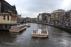 Amsterdam, Rokin corner Langebrug Alley (Davydutchy) Tags: city holland netherlands amsterdam boot march boat canal centre sightseeing nederland boten stadtmitte paysbas rondvaart centrum pleasure niederlande gracht 2016 kooij rokin rondvaartboot reederij
