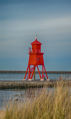 The Groyne (munkehmans) Tags: red lighthouse color beach river coast town seaside coastline northern northeast southshields tyneside littlehaven groyne rivertyne tyneandwear southtyneside northeastengland littlehavenbeach herdgroyne