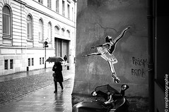 dancing in the rain. (renphotographie) Tags: bw streetart film analog noiretblanc streetphotography rennes olympusxa xtol kodaktmax renphotographie