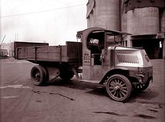 Chain-driven Mack truck -- 1920 (JFGryphon) Tags: 1920 streetcleaner htt macktruck chaindriven tipperlorry internationalmotorcompany eugenedesalignac bulldogmack departmentofstreetcleaning happytrucktuesday nycmunicipalarchives lumberingmonster solidhardrubbertires chaindrivenmacktruck