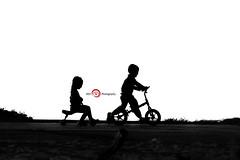Friends (Moetazheno) Tags: life friends boy love beach girl kids fun joy journey