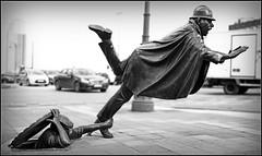 """Agent n15 et Vaarkapoen"" Tom Frantzen, place Sainctelette, Bruxelles, Belgium (claude lina) Tags: brussels sculpture statue belgium belgique bruxelles tomfrantzen placesainctelette claudelina agentn15etvaarkapoen"