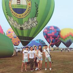 Lubao Hot air Balloon at Pradera Verde (2 of 29) (Rodel Flordeliz) Tags: travel sky hot air balloon billboard adventure oxygen riding hotairballoons pradera pampanga bataan lubao lubaohotair