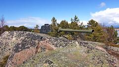 Old artillery at r (Holtsun napsut) Tags: park sea suomi finland landscape island outdoor east tokina national meri itmeri kansallispuisto saari 1116mm r patikointi eos550d