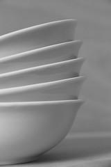 Only Bowls #2 (honiigsonne) Tags: white black indoor bowl dishes makro schssel schwarz tableware schrfentiefe keramik geschirr weis schsseln einfarbig minimalistisch minimalismus