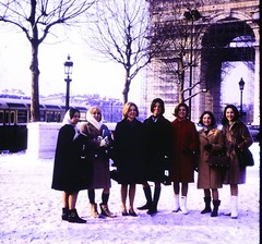 Mary Baldwin College Students - Arc de Triomphe (IES Abroad Alumni) Tags: snow paris france 1966 arcdetriomphe alumni 1965 grouppicture 196566 studentphotos iesabroad