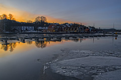 Sunrise in Son, Norway (Ingunn Eriksen) Tags: norway sunrise reflections seaside son akershus vestby oslofiord