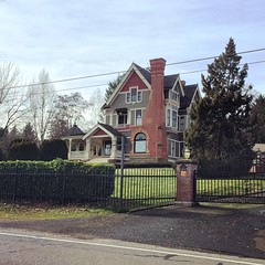 Jeremiah Nunan House (1892)   Jacksonville, Oregon (eg2006) Tags: house architecture oregon exterior victorian historic oldhouse jacksonville turret victorianhouse 1892 historichouse jacksonvilleoregon jeremiahnunan jeremiahnunanhouse