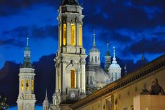 Zaragoza de noche (Luis Gracia Pinilla) Tags: night noche y cloudy covered nubes partly claros cubierto
