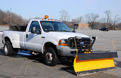 Westchester DPW Rye Playland Snow Plow (zamboni-man) Tags: new york rescue bus car kyle wagon island fire fly long state tahoe police medical service emergency bls signal ems federal emt youk wagman wheeln flycar flycafr ambualcne