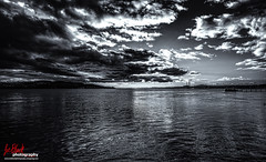 Sun setting over the River Tay, Dundee (leeb.black) Tags: sun river dundee over tay setting sunsettingovertherivertay dundeeblackandwhite