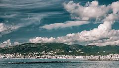 Puerto de Palma (amargureiro) Tags: city sea sky clouds landscape island mar seaside nikon mediterranean ship cityscape harbour cielo nubes mallorca palma mediterrneo paisaxe palmademallorca 1870mmf3545 d80 mallorcapuerto