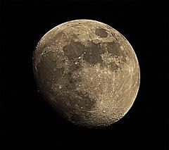 Tokina Moon (shaabaaz) Tags: sun tokina teleconverter 80200mm f4556 szx mc7