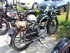 PUCH 125 TT (John Steam) Tags: vintage austria meeting motorbike motorcycle oldtimer tt obersterreich puch 125 motorrad neukirchen 2015 oldtimertreffen zweitakt vckla stehrerhof voeckla doppelkolben 125tt