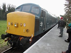 45133 canters into Wymondham Abbey, MNR Mid-Norfolk Railway Diesel Gala 01.04.16 (Trevor Bruford) Tags: blue heritage abbey br diesel centre 4 peak railway class 451 type locomotive 40 society gala midland preservation mrc wymondham sulzer mnr butterley d40 midnorfolk 45133