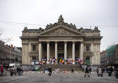 La Bourse - mmorial aux victimes des attentats (ermimod) Tags: bruxelles brussel mmorial