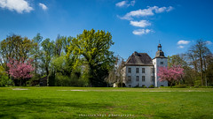 Wasserschloss Voerde (fotos_by_toddi) Tags: sky little pano sony ps planet alpha tamron a77 niederrhein wasserschloss voerde hausvoerde littleplane kreiswesel kleinerplanet tpanorama sonyalpha77 fotosbytoddi castlewatercastle