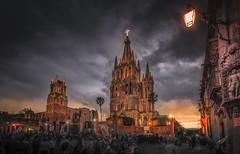 Jardin Allende at Night (olemoberg) Tags: church mexico sanmigueldeallende guanajuato zocalo parroquiadesanmiguelarcngel jardinallende
