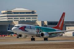 DL1L3910 (rubicon_dan) Tags: spotting 737 yul 737800 sunwing 738 cgvvh