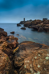 Blue hour in Ploumanac'h (Ludovic Lagadec) Tags: longexposure morning mer lighthouse beach landscape brittany rocks marin bretagne breizh bluehour paysage plage phare manche rochers bleue matin nisi mare longueexposition poselongue heurebleue gnd8 bretagnenord cotedegraniterose canon6d ludoviclagadec