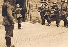 Full Metal Jacket (TrueVintage) Tags: 1930s military oldphoto soldiers foundphoto soldaten militär vintagephoto appell mustering