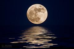 moon_01r (khunkay's gallery) Tags: moon น้ำ พระจันทร์ สะท้อน