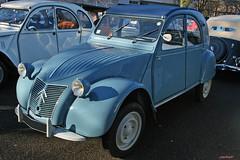 Citroen 2cv 1956 (macadam67) Tags: show france expo citroen strasbourg alsace passion 2cv oldcar extérieur mecanique frenchcar moteur mecanic voituresanciennes françaises retrorencard altenwagen