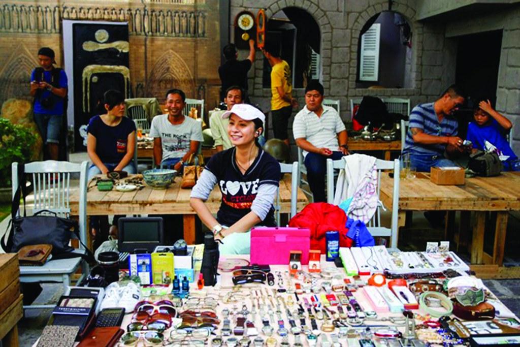 """""""Saigon Flea Market"""""""