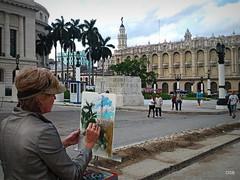 Retrato de la artista... (Olgui.SB) Tags: teatro avenida calle arquitectura gente cuba jardin paseo capitolio habana farolas pintura palmas