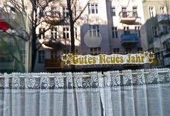 noch_im_Januar (web.werkraum) Tags: street urban detail berlin germany deutschland typography fenster ks lettering now typo neighbor reflexion spiegelung nahaufnahme berlinwedding nachbar typographie 2016 fensterblick wnsche omot vertrautheit dasdasein bildfindung berlinerknstlerin tagesnotiz webwerkraum kneipchen kattegatstrase