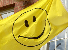 Smiley Face (only lines) Tags: yellow happy flag hastings smileyface