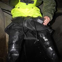 Westgate-Kanal5454 (Kanalgummi) Tags: rubber jacket worker bomber exploration sewer waders kanalarbeiter bomberjacke gummihose chestwaders goutier wathose