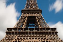 Contemplation (greg02100) Tags: longexposure paris france tower architecture pose tour eiffel toureiffel champdemars canonef1740lusm longue canoneos1dmarkiin bwnd106