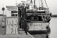 Gas station (Segfault79) Tags: port boat barca ship nave porto ortona