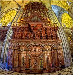 (2252) Catedral de Sevilla (Fisheye world) (QuimG) Tags: art church architecture golden sevilla andaluca spain interiors fisheye panasonic interiores catedraldesevilla specialtouch quimg quimgranell joaquimgranell afcastell obresdart