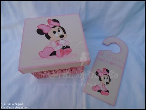 """Caixa de recordações de bebé e placa porta """"Shy Minnie"""""""
